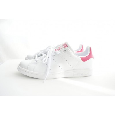 stan smith femme rose pale et blanche