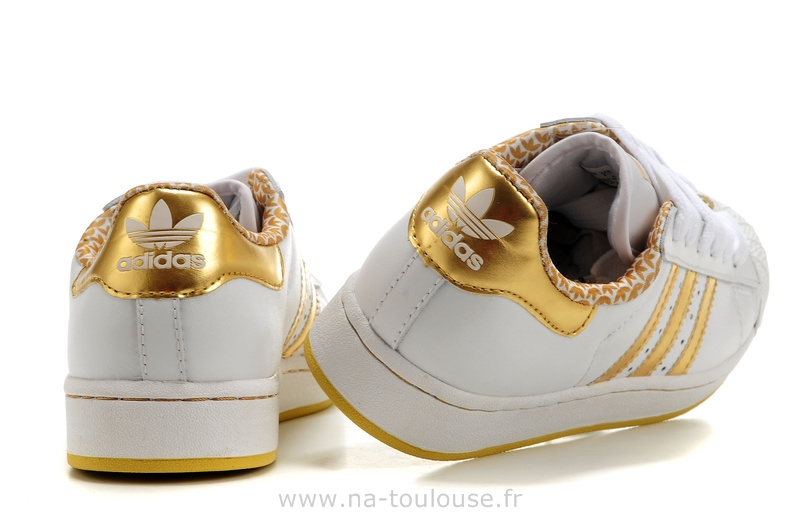 chaussures adidas fille pas cher