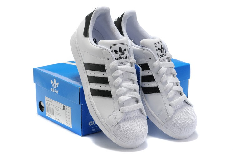 chaussures adidas homme en solde